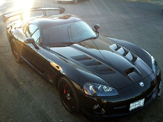 Island Detail and Color | Dodge Viper 1
