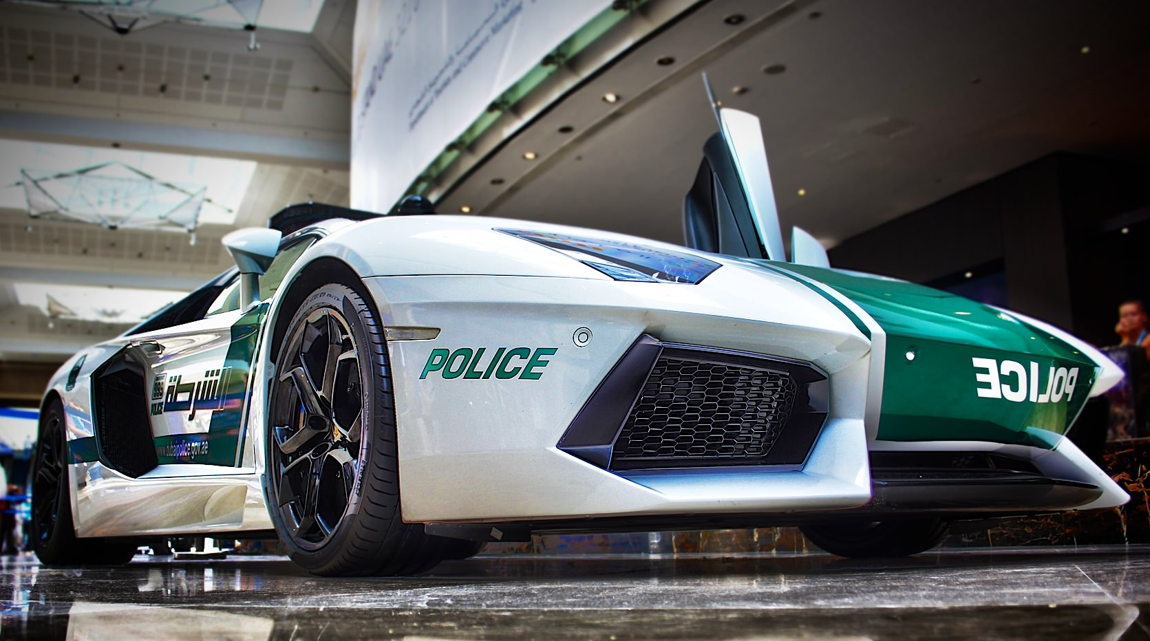 Island Detail And Color | Minor Details Police (Super)cars (1)
