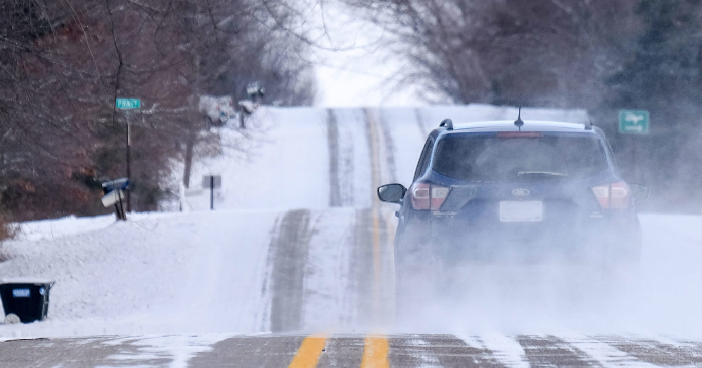 2 Ways Snow Damages Your Car